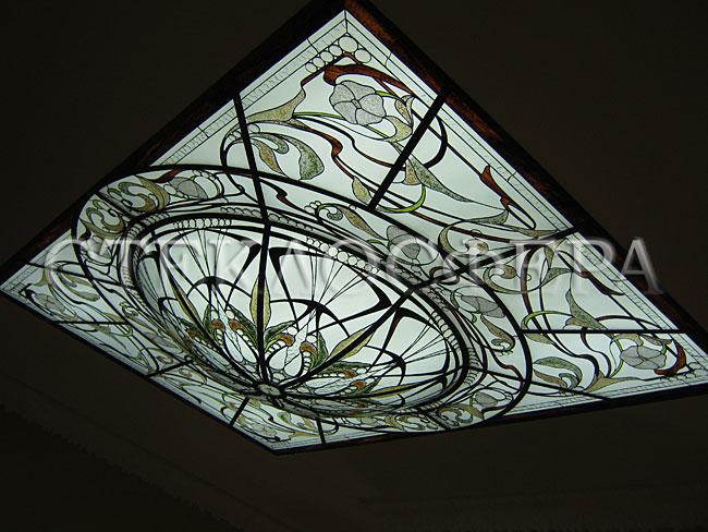 Витражные потолки, витражи на потолок (потолочные витражи). Потолок с витражной вставкой