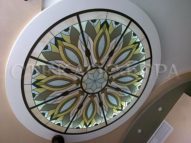 Витражные потолки, витражи на потолок (потолочные витражи). Сочетание освещения и витражного стекла на потолке