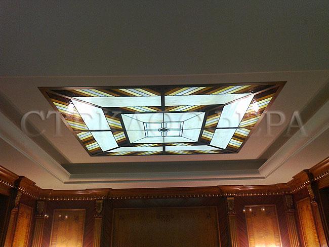 Витражные потолки, витражи на потолок (потолочные витражи). Потолок, оформленный с помощью витража и подсветки