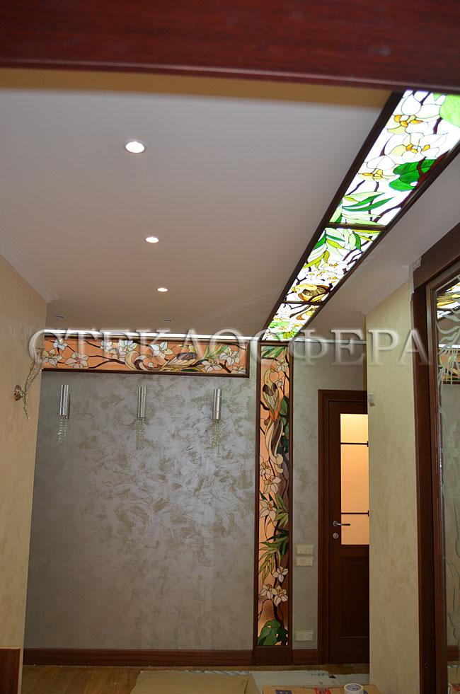 Витражные потолки, витражи на потолок (потолочные витражи). Витражный потолок, совмещенный с нишей «Тропикана»