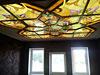1-58 Витражный потолок в деревянной раме «Золотые узоры» - Витражные потолки, витражи на потолок (потолочные витражи)