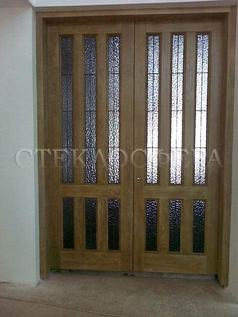 Стеклянные двери (с витражами), витражи для дверей на заказ в Москве. Дверь с готическим витражом «атлантик»