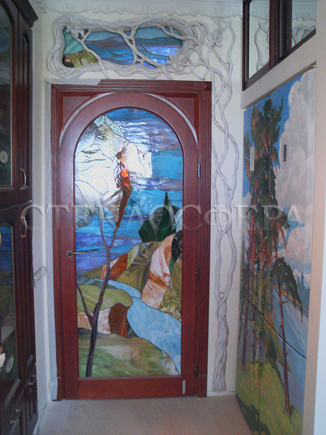 Стеклянные двери (с витражами), витражи для дверей на заказ в Москве. Витраж для межкомнатных дверей - «Ангара»
