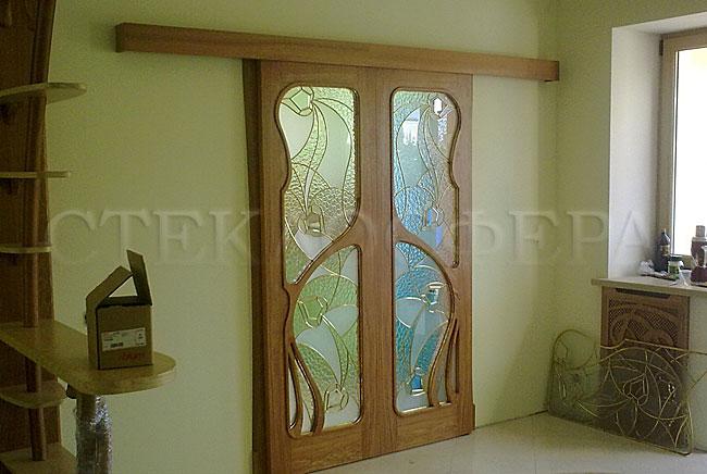 Стеклянные двери (с витражами), витражи для дверей на заказ в Москве. Витраж для межкомнатной двери