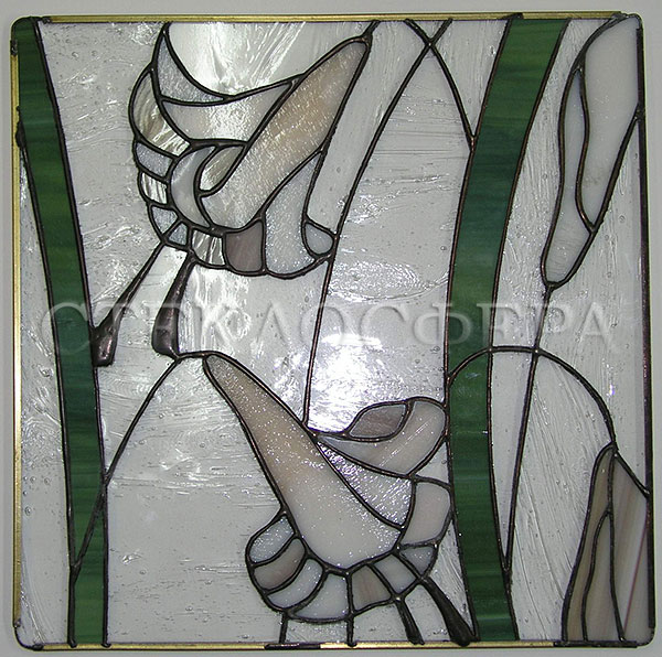 Сувениры и изделия из художественного стекла, производство эксклюзивных стеклянных сувениров. Вставка «Лилии» - витраж «Тиффани»