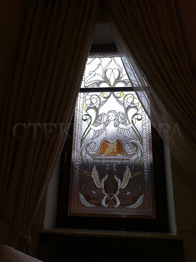 Витражи на окна. Купить витражные окна в Москве. Окно с художественным витражным стеклом