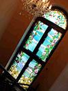 4-23 Художественный витраж межэтажного окна - Витражи на окна. Купить витражные окна в Москве